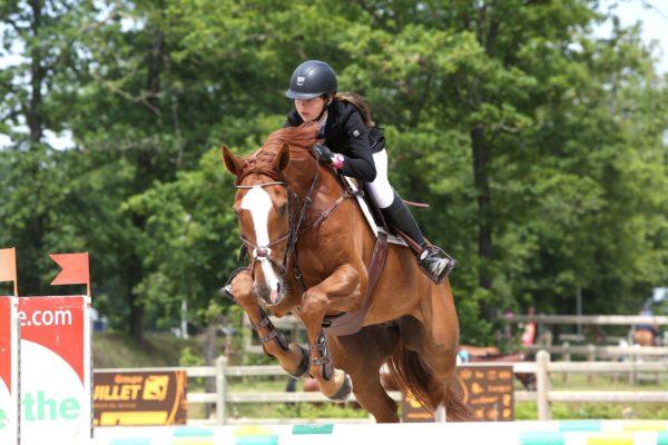 En partenariat avec le Centre Équestre de Bertaucourt-Epourdon, l'Institution Saint-Charles propose une option équitation dès septembre 2019