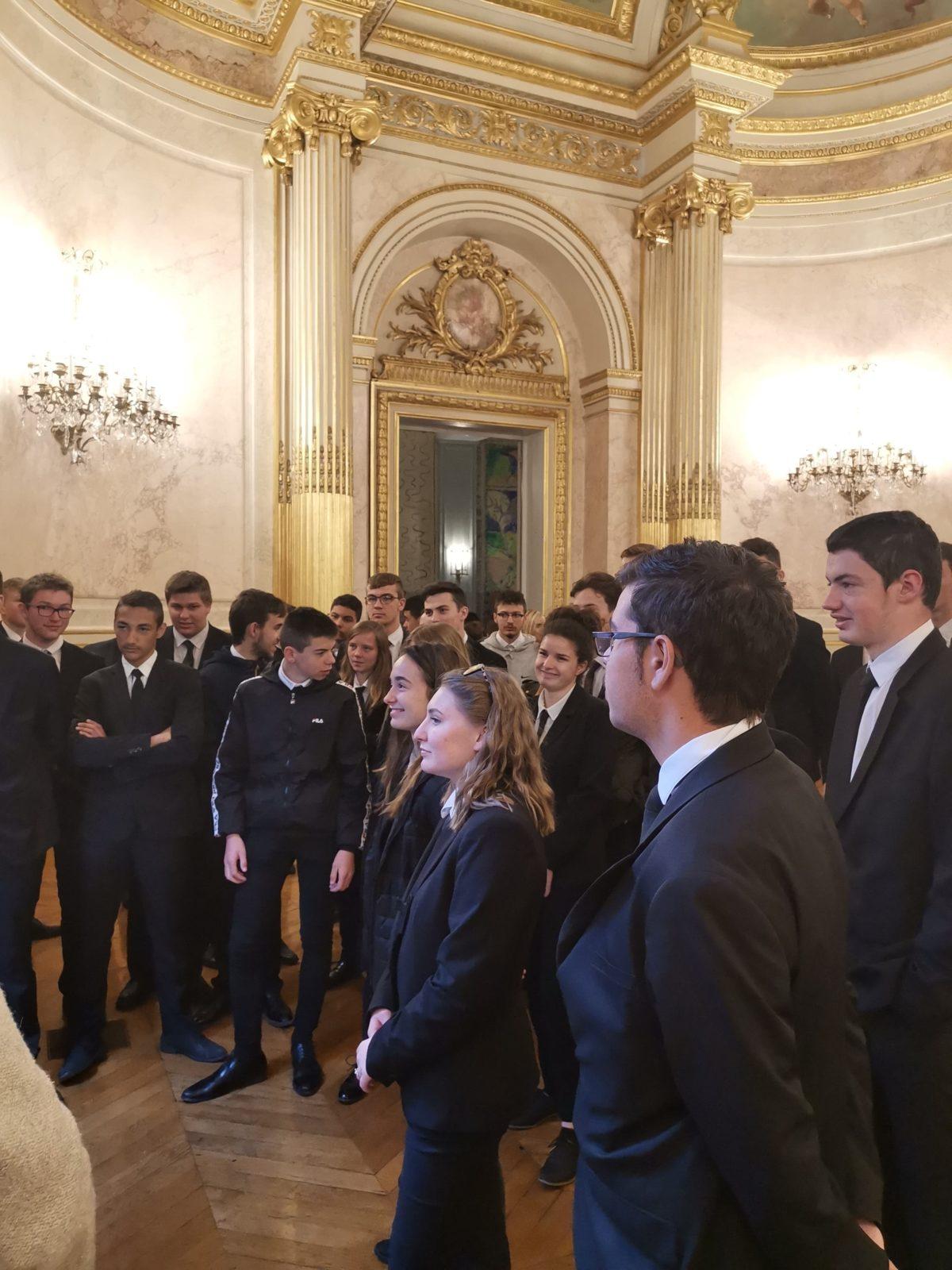 Les élèves de Saint-Charles à l'Assemblée Nationale